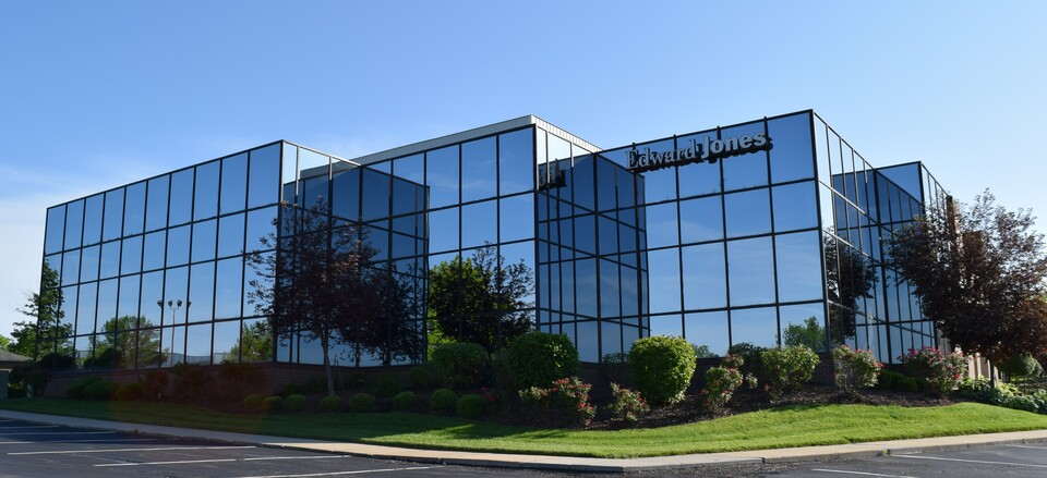 4721 S. Cliff Avenue Independence Missouri 64055, ,Office,Sale or Lease,Cliff Ave.,1020